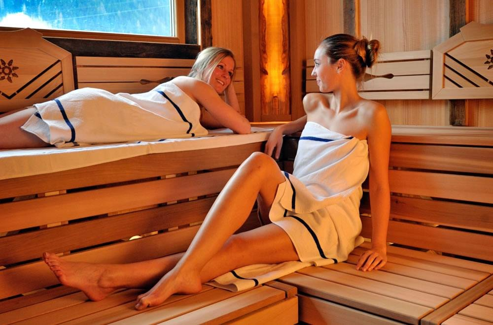wellness mit sauna hotel sonnschupfer schladming. Black Bedroom Furniture Sets. Home Design Ideas